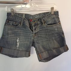 I just added this to my closet on Poshmark: Lucky brand light wash shorts. Price: $15 Size: 25