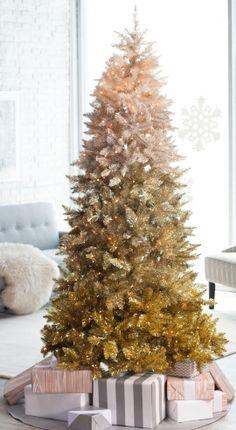 10 Christmas Decor Tips Ombre Christmas Tree, Christmas Tree Painting, Modern Christmas, Holiday Tree, Gold Christmas, Xmas Tree, Beautiful Christmas, Winter Christmas, Christmas Tree Ornaments