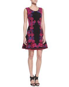 Diane von Furstenberg Sleeveless Floral Body-Conscious Dress