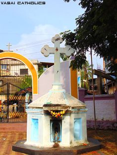 Cross at St. Peters Church, Koliwada, Vasai West