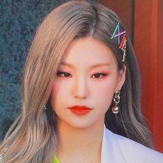 The best shared by aoaelvis on We Heart It Kpop Girl Groups, Korean Girl Groups, Kpop Girls, K Pop, My Girl, Cool Girl, Indie, Le Jolie, Jennie Blackpink