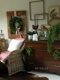 red white and green Christmas guest bedroom at Oliver and Rust blog