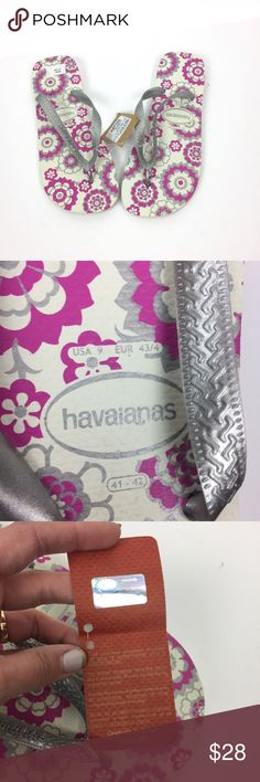 Havaianas 9 Flip Flop Sandals Shoe Floral Pink New Havianas flip flop sandals, sz 9. New with tags. Pink and grey floral pattern on white. Branco Prata. A03050. Havaianas Flip Flops, 9. Havaianas Shoes Sandals