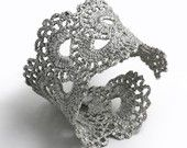 Make moulds from lace and cast jewellery