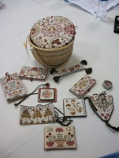 Pattern by Primitive Traditions Small Cross Stitch, Cross Stitch Finishing, Cross Stitch Designs, Cross Stitch Patterns, Sewing Case, Sewing Box, Sewing Kits, Cross Stitching, Cross Stitch Embroidery