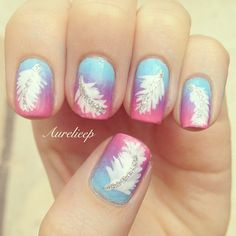 Pastel blue, lavender, and pink nails with white feather and topped with silver glitter. Nails Only, Love Nails, Pretty Nails, My Nails, Fabulous Nails, Perfect Nails, Nagel Bling, Feather Nails, Nailart