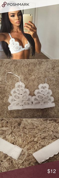 💗JUST ARRIVED💗Large lace bra! Size Large. White lace. New. Never used. Intimates & Sleepwear Bras