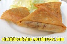 Ingrédients pour 20 samoussas : 10 feuilles de brick 1 carotte 1 courgette 1 oignon 100g de vermicelle de haricots mungo ou de vermicelle de riz 1cc de cumin 1cc de curcuma 2cc de curry sel 1cs de …