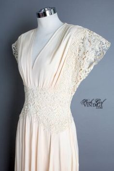 1940's Ivory Long Lace Art Deco Gown - M VINTAGE WEDDING & BRIDAL DRESSES: 30's, 40's, 50's :