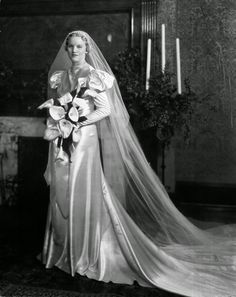 Bridal+Gowns+and+Wedding+Dresses+from+the+1930s+(8).JPG 960×1,209 pixels