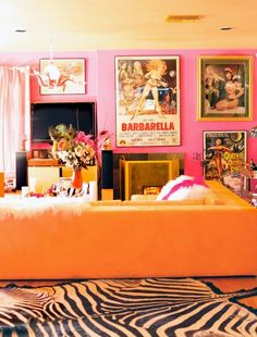 Orange Rooms, Living Room Orange, Pink Living Rooms, Aesthetic Room Decor, Dream Home Design, Dream Rooms, My New Room, Living Room Interior, House Rooms