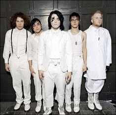 My Chemical Romance... bobs face tho ;)