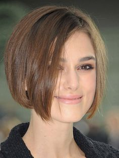 Keira Knightley Short Hair Pictures Range From Cropped Hairstyles With  Casual Front Bangs, To Those That Dip In Elegant Waves Over One Side Of Her  Face.