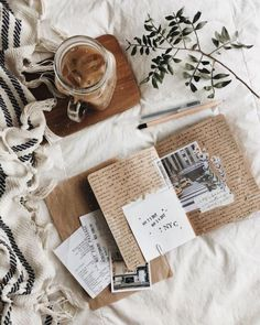 Spending Sunday afternoon with lots of iced coffee & all of my memories of New York— finally have some time to journal my adventures ✨ I hope you're all having a lovely Sunday! Autumn Aesthetic, Book Aesthetic, Adventure Aesthetic, Beige Aesthetic, Aesthetic Vintage, Flat Lay Photography, Book Photography, Composition Photo, Coffee And Books