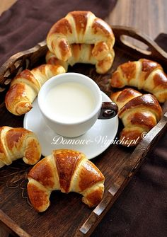 Rogaliki maślane Croissants, Doughnut, Nutella, Food To Make, Pancakes, French Toast, Good Food, Appetizers, Food And Drink