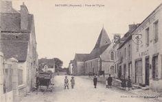 SAULGES (Mayenne) - Place de l'Eglise
