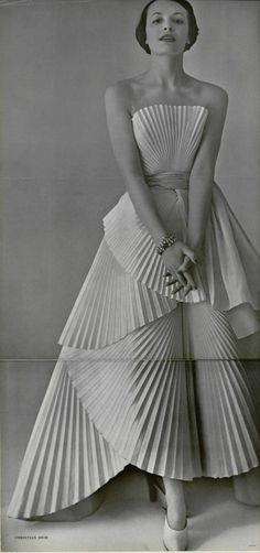 Dior gown, L'officiel de la mode 1950  (via http://www.pinterest.com/sunnybrett/)