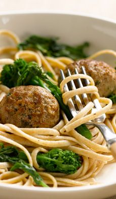 In this recipe for Savory Turkey Meatballs, cholesterol-lowering rolled oats are the secret ingredient to complement the lean ground turkey. #recipes #healthy #light