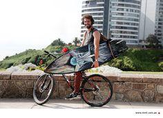Luciano y su bicicleta.