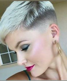Today we have the most stylish 86 Cute Short Pixie Haircuts. We claim that you have never seen such elegant and eye-catching short hairstyles before. Pixie haircut, of course, offers a lot of options for the hair of the ladies'… Continue Reading → Pixie Haircut For Round Faces, Pixie Haircut For Thick Hair, Haircuts For Fine Hair, Round Face Haircuts, Short Hair Cuts, Short Hair Styles, Haircut Short, Stylish Short Haircuts, Very Short Haircuts