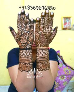 Image may contain: one or more people Pakistani Henna Designs, Latest Bridal Mehndi Designs, Khafif Mehndi Design, Floral Henna Designs, Simple Arabic Mehndi Designs, Henna Art Designs, Modern Mehndi Designs, Dulhan Mehndi Designs, Mehndi Designs For Fingers
