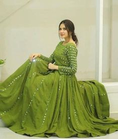 Party Wear Indian Dresses, Pakistani Fashion Party Wear, Indian Fashion Dresses, Designer Party Wear Dresses, Indian Bridal Outfits, Indian Gowns Dresses, Indian Designer Outfits, Dress Indian Style, Gown Party Wear