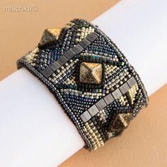 Ricamato nero e argento braccialetto della perla