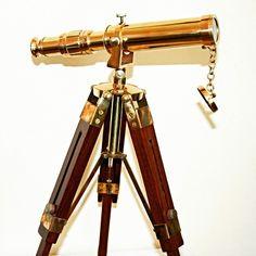 """http://bit.ly/LunetaZeglarska - Mosiężna luneta żeglarska na drewnianym statywie, stylowa luneta kapitańska z mosiądzu na drewnianym trójnogu - prestiżowy żeglarski upominek, nobilitujący element marynistycznego wystroju wnętrz, gustowny prezent dla żeglarza w morskim stylu, symbol kapitańskiej dalekowzroczności, przewidywania, patrzenia w przyszłość, odpowiedzialności, sięgania """"za horyzont"""", prezenty dla Żeglarzy i Ludzi Morza, pełen marynistycznej symboliki morski upominek z przesłaniem  http://sklep.marynistyka.org/lunety-teleskopy-c-3.html  http://Marynistyka.eu  #mosiezna #luneta, #LunetaKapitanska, #LunetaNaStatywie, #marynistyka, #zeglarskieprezenty, #morskieupominki, #zeglarskistyl, #morskiwystroj, #PrezentDlaZeglarza"""