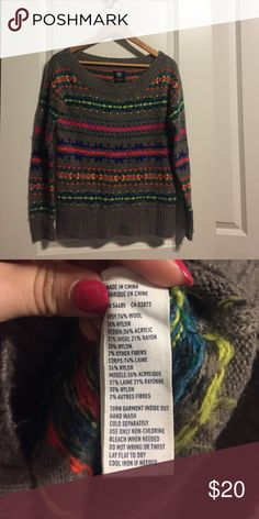 Super fun American Eagle sweater Very warm. Only worn a few times. Can be styled off the shoulder or with a cute top underneath. EVERYTHING IS PRICE REDUCED! ACCEPTING ANY REASONABLE OFFER 💕💕 American Eagle Outfitters Sweaters Crew & Scoop Necks