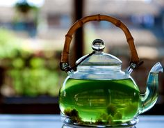 I want: a garden tea party and this clear teapot.