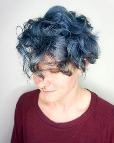 Myriad of Stylish Short Curly Hairstyles Young Girls Hairstyles, Hairstyles Over 50, Modern Hairstyles, Curly Bob Hairstyles, Straight Hairstyles, Simple Hairstyles, Haircuts, Curly Hair Styles Easy, Short Curly Hair
