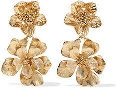5 Fail-Proof Party looks   Oscar de la Renta Bold Flower Drop Earrings