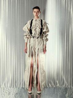 Dope Fashion, Runway Fashion, Fashion Show, Fashion 2020, Fashion Outfits, Womens Fashion, Fashion Design, Fashion Images, Mode Inspiration