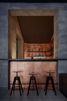 Copper bar by Zavoral architect, Litomysl — urdesignmag Czech-Republic-based firm Zavoral Architekt has unveiled the raw and sleek interior of the new Copper bar in the town centre of Litomysl. Copper Interior, Bar Interior, Interior Design, Interior Livingroom, Interior Modern, Bar Restaurant, Restaurant Design, Copper Bar Top, Modern Home Bar
