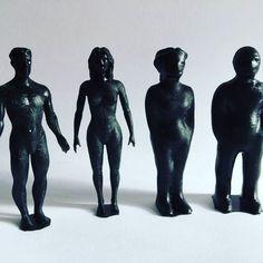 Sestava ikonických figur. #3 #3d #3dtisk #3dtiskarna #3dprint #3dprinter #makerslab #3demon #character #black #printing #prints #games #heroes #man #woman #adam #eva #design