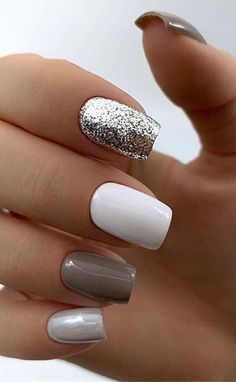 Acrylic nail designs 597923288017460279 - The Best Wedding Nails 2020 Trends Source by uksociety_womens Chic Nail Art, Chic Nails, Stylish Nails, Trendy Nails, Minimalist Nails, Cute Spring Nails, Nagellack Trends, Nagel Gel, Perfect Nails
