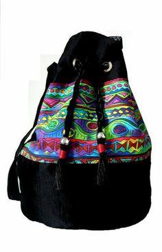 Bolsa em tafetá estampa étnica http://vitrine.elo7.com.br/tinamaria/albuns/78336/produtos/3737581