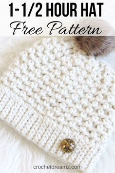 Try this quick beanie pattern that takes only one skein of chunky yarn and works up in one and a half hours. This easy free pattern has an effortless texture perfect for beginners. The tutorial includes sizes for Toddlers, Kids, and Women. Crochet Adult Hat, Easy Crochet Hat, Crochet Cap, Crochet Scarves, Crochet Crafts, Crochet Projects, Beanie Pattern Free, Crochet Beanie Pattern, Beanies