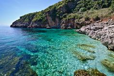 #Spring and #Fall are perfect for visiting #Sicily, because it's not too hot. There are many little #beaches in #Zingaro Natural Reserve, near #Trapani, and they aren't crawded as in #Summer and the temperature is good for #trekking @_@ . For more information have a look at bebtrapanilveliero.it