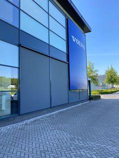 Volvo, Garage Doors, Outdoor Decor, Home Decor, Seeds, Homemade Home Decor, Interior Design, Home Interiors, Decoration Home