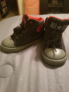 9aa8c1f0e833 EXCELLENT CONVERSE CHUCK TAYLOR ALL STAR KIDS USA SIZE 6 SHOES BLACK  HIGH-TOPS