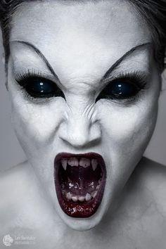 A small series for the Halloween :) Model: Anna KravchenkoMake up: Tat'yana Medved' Scary Vampire, Vampire Girls, Vampire Art, Arte Horror, Horror Art, Dark Fantasy Art, Demon Makeup, Vampire Pictures, Satanic Art