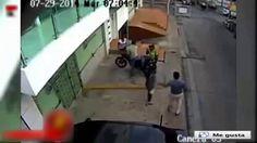 52 POLICÍAS GAVILLEROS ASALTAN A UN SOLO CIUDADANO Y SU MADRE