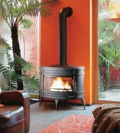 The Mandor is a stunning circular stove from Invicta, the Mandor boasts an impressive output of 15kW.15kW output5 Year GuaranteeUp to 500mm Log Length Wood, House, Home, Fireplace Accessories, Cabins And Cottages, Wood Burner, Stove, Wood Burning Fireplace, Rustic House