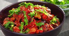 Recette de Curry d'aubergines anti-capitons aux tomates et à la coriandre. Facile et rapide à réaliser, goûteuse et diététique.