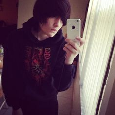 .i have that hoodie oh my goddd
