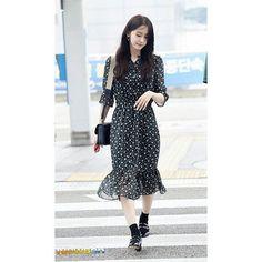 170722 YoonA - ICN Airport heading to Taiwan for H:Connect Fanmeeting in Taipei (3)  .  #Yoona #Imyoona #임윤아 #윤아 #YoonaLim #Yoong #GG #SNSD #TaeYeon#Jessica #SunnY #TiffaNy #HyoYeon #Yuri #SooYoung #SeohYun #允儿 #GirlsGeneration #SMTown #EXO #Sehun #TheK2 #소녀시대 #SoNyuhShiDae #hallyustar #YoonYul