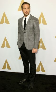 The Annual Academy Awards Nominee Luncheon featured all of award season's biggest names like Emma Stone, Ryan Gosling and Casey Affleck. Ryan Gosling Suit, Ryan Gosling Style, Pretty Men, Beautiful Men, Blazer Outfits Men, Mens Fashion Suits, Male Fashion, Most Stylish Men, Best Dressed Man