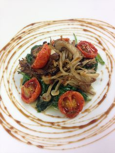 Fricassee of wild mushrooms and baby spinach, roasted cherry tomatoes and a balsamic glaze #foodspiration #wedspiration #londoncaterers #weddings #events #foodporn #mushroom #starter #weddingcatering