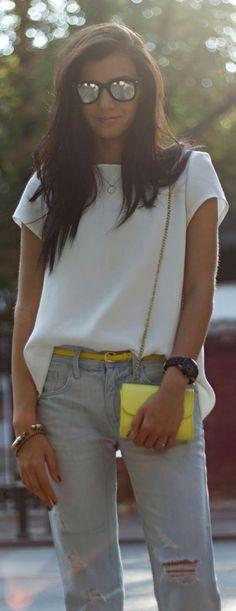 "Boyfriend's Jeans ✮Feel free to share on Pinterest"" ♥ღ  #Denim.... WWW.FASHIONANDCLOTHINGBLOG.COM"